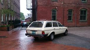 """alt=""""Burlington Mercedes car"""""""