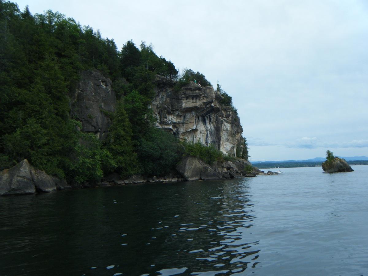 """alt=""""Burlington Vermont Champlain Lake"""""""
