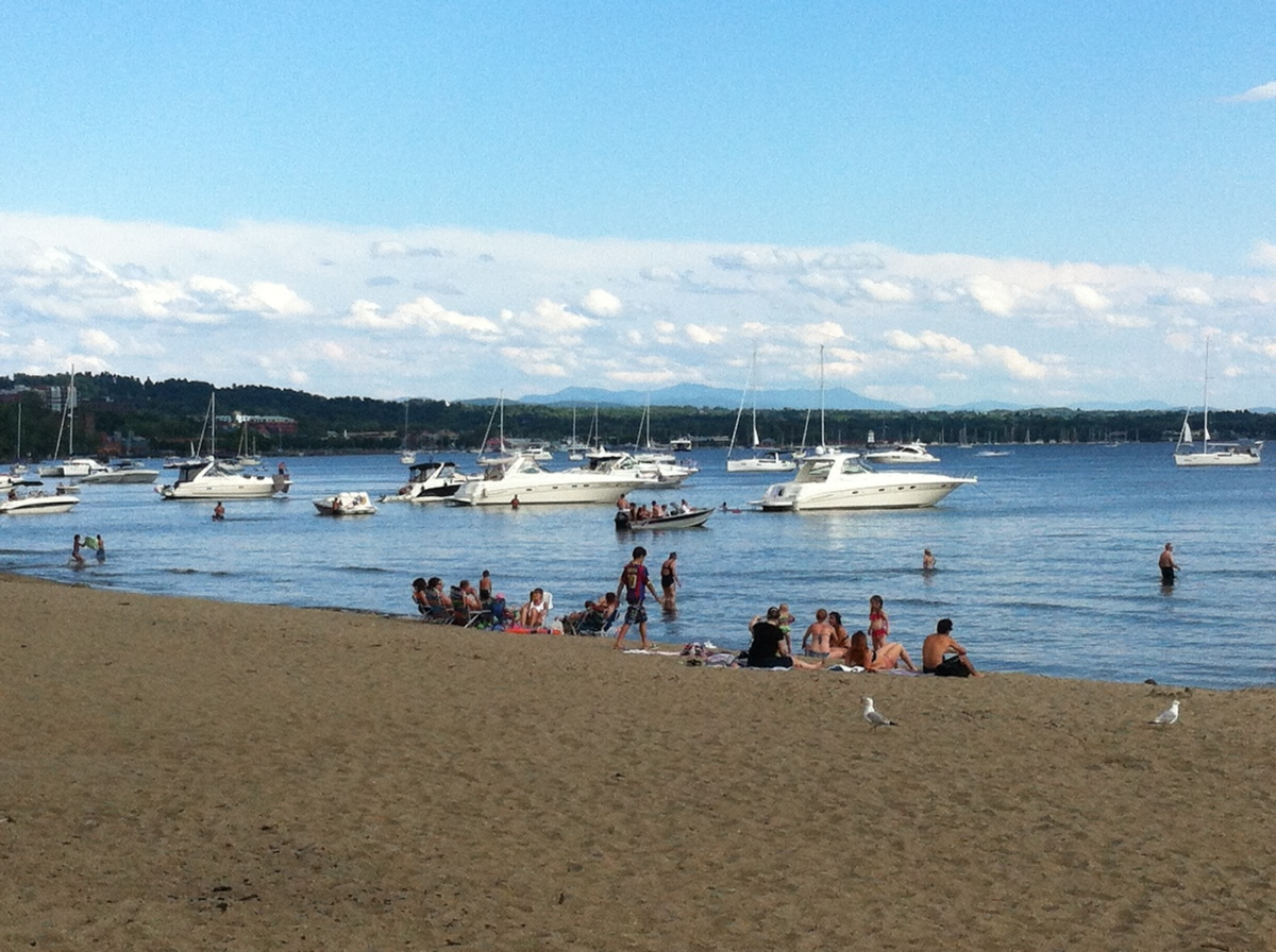 "alt=""Burlington Vermont Harbor north Beach"""